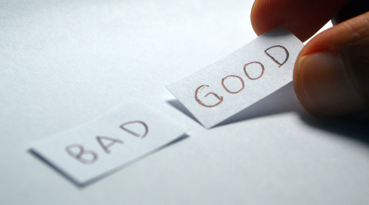 "notes that say ""bad"" and ""good"""