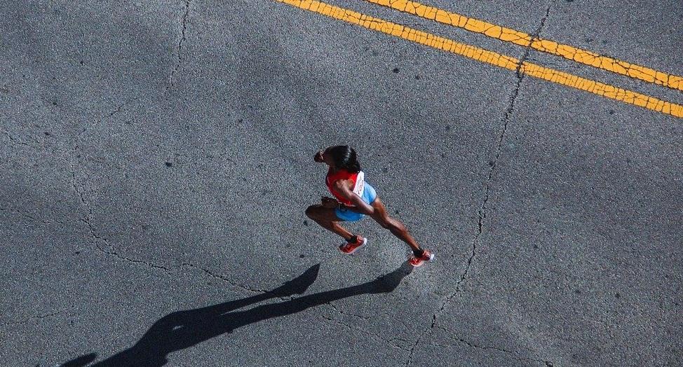 elite runner running
